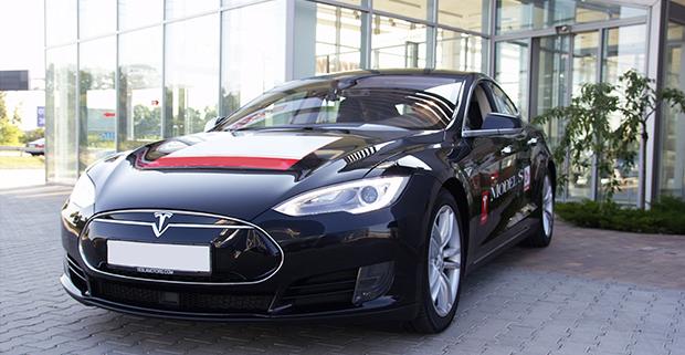 Tesla Model S: автомобиль, который заставляет себя полюбить